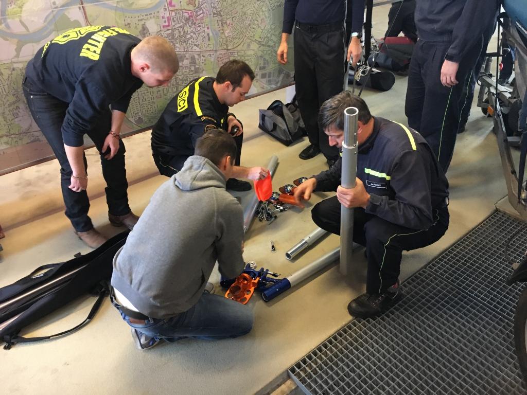 worksafety-hasici-pardubice-predani-trojnozky